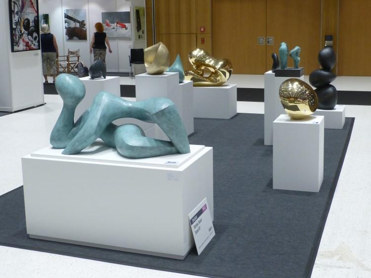 Skulpturenstand auf der ARTe Wiesbaden
